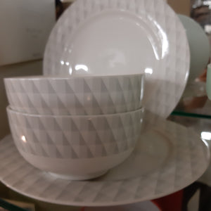 Aynsley12 piece tablewear