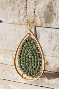 Green wood Beaded pendant necklace