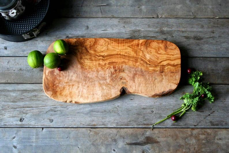 Trabelsi Wood Design - Rustic Cutting Board
