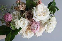 Load image into Gallery viewer, Effie Bouquet (Small)