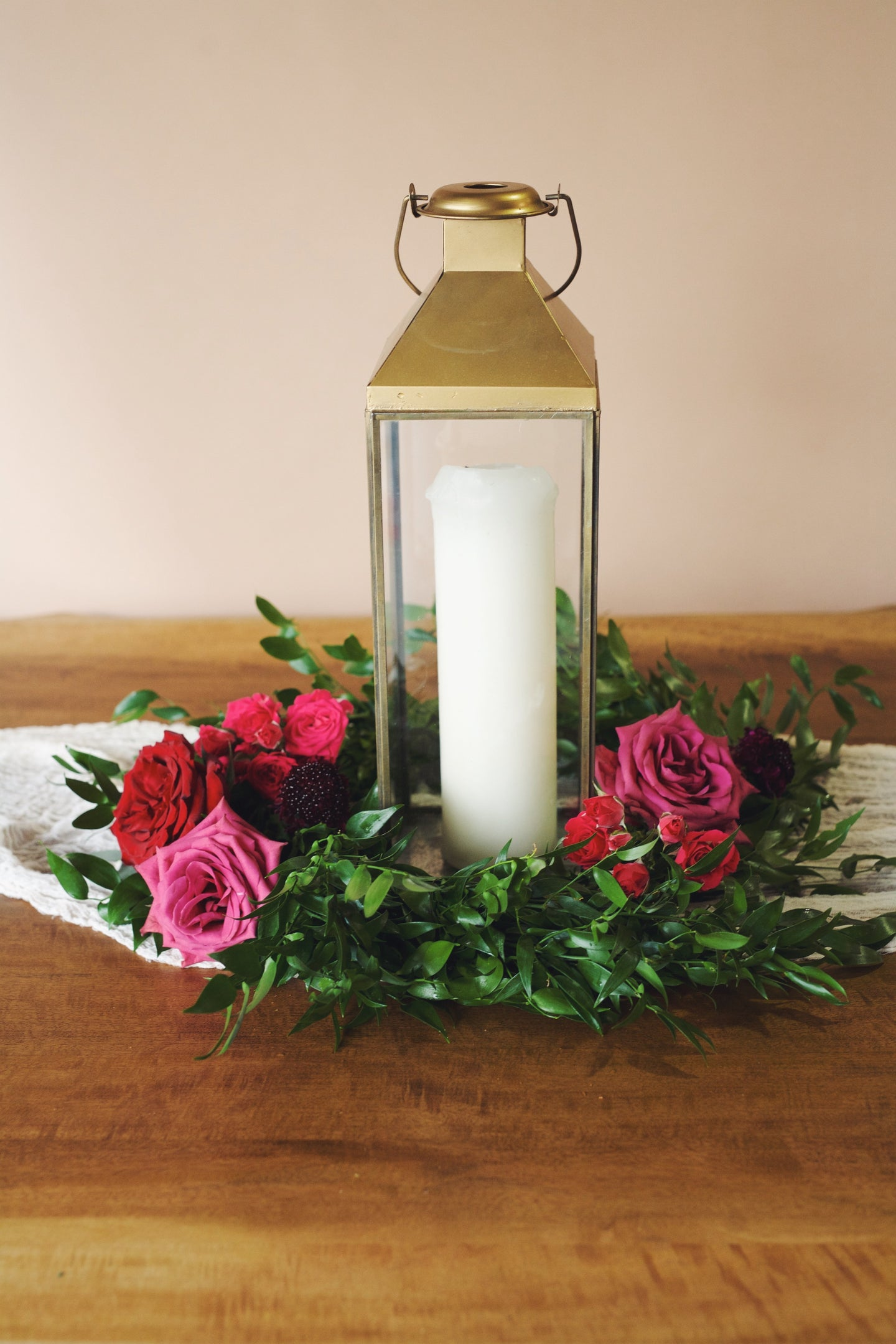 Aria Table Wreath with Flowers