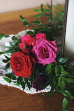 Load image into Gallery viewer, Aria Table Wreath with Flowers