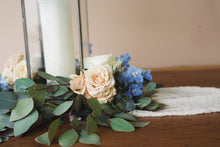 Load image into Gallery viewer, Georgie Table Wreath with Flowers