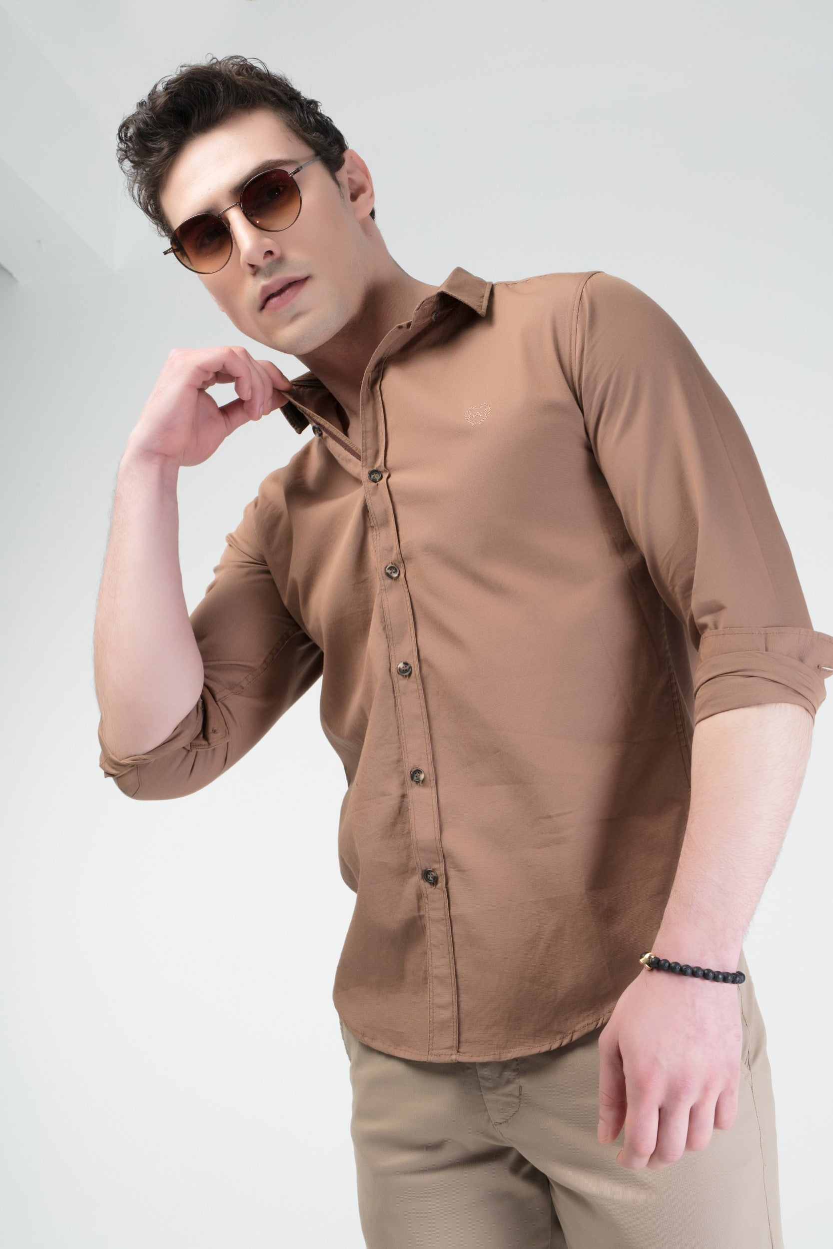 SOLID SLIM FIT CASUAL SHIRT