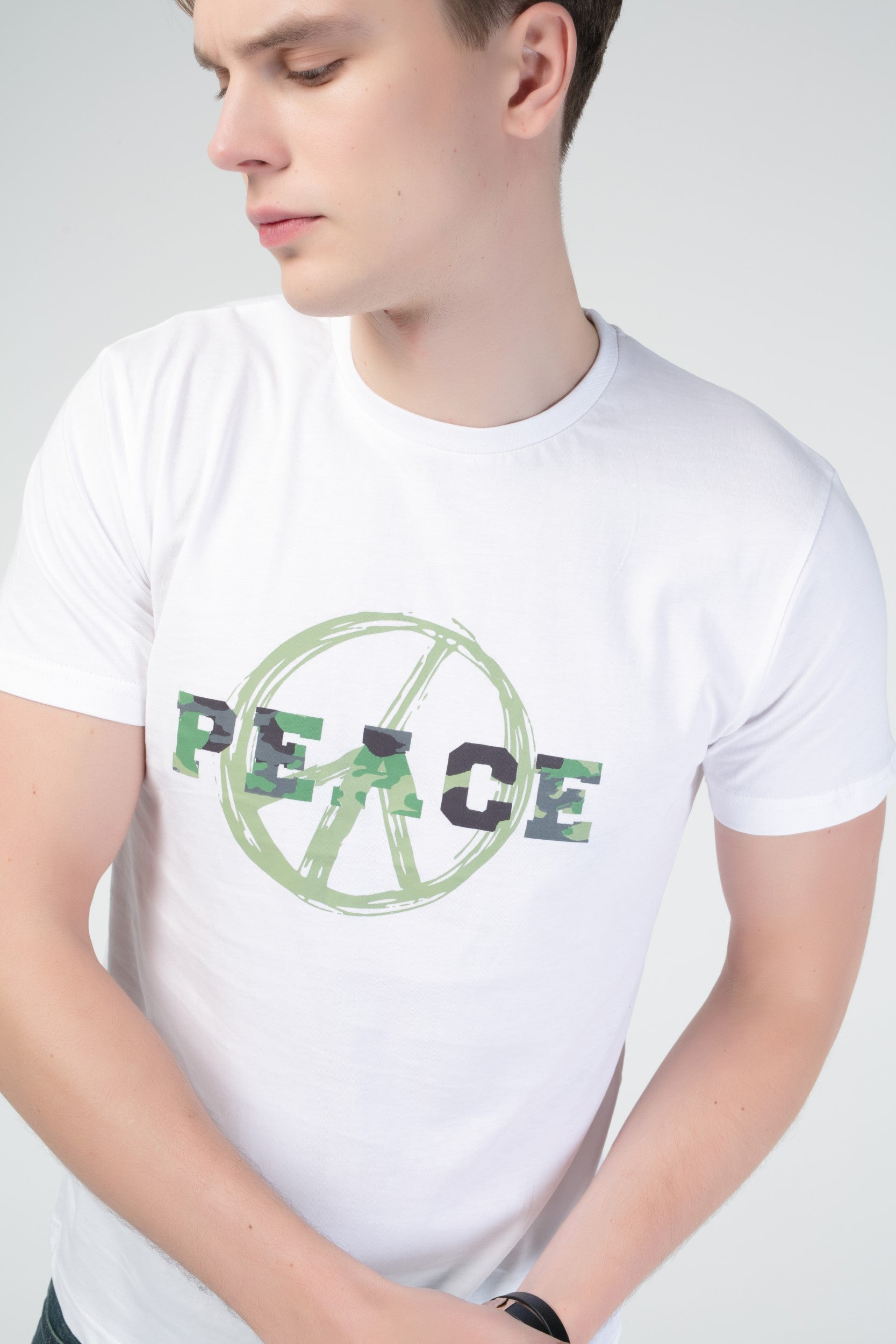 PEACE - GRAPHIC CREW NECK