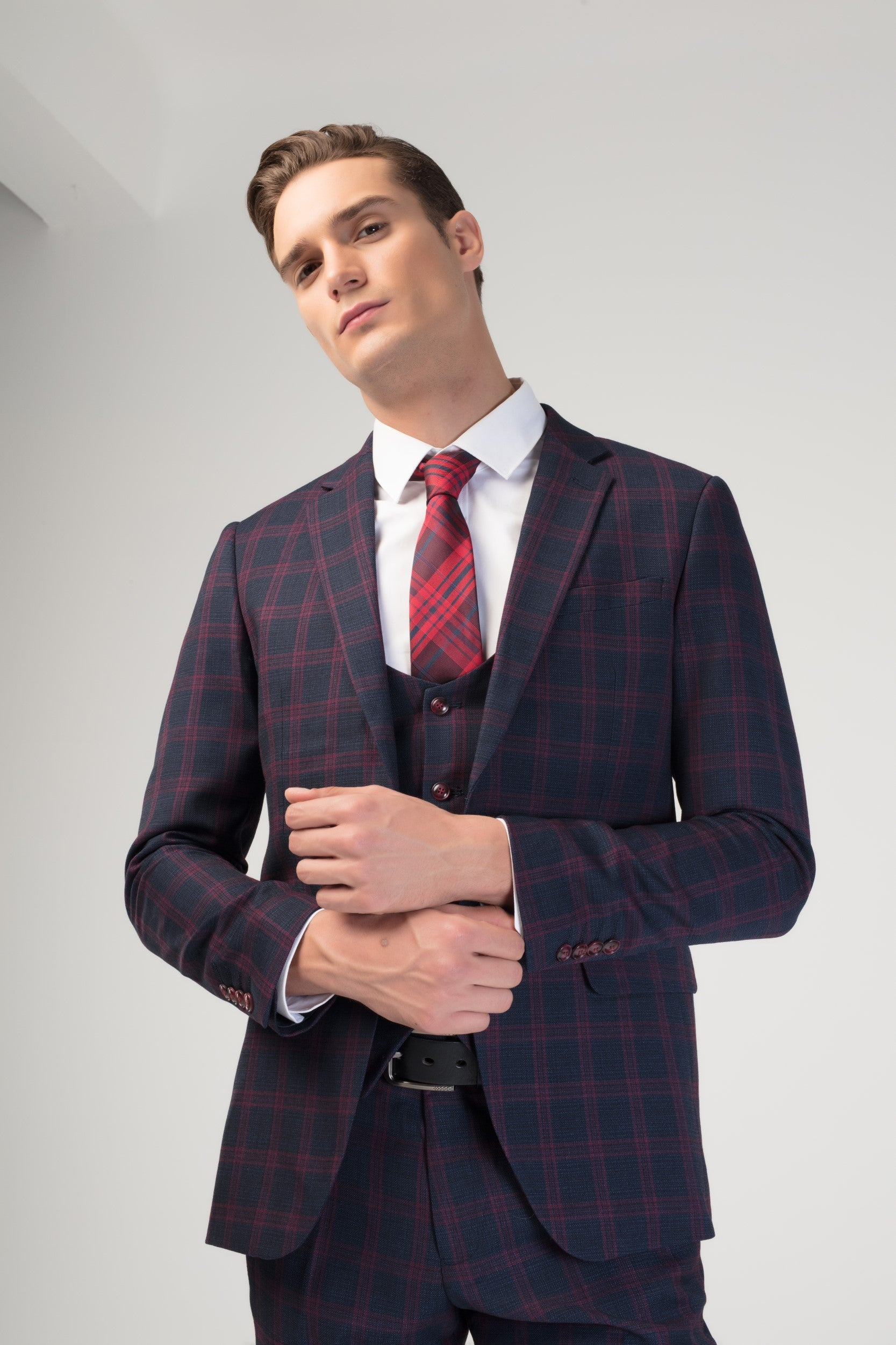 SLIM FIT CHECKERED 3-PCS SUIT