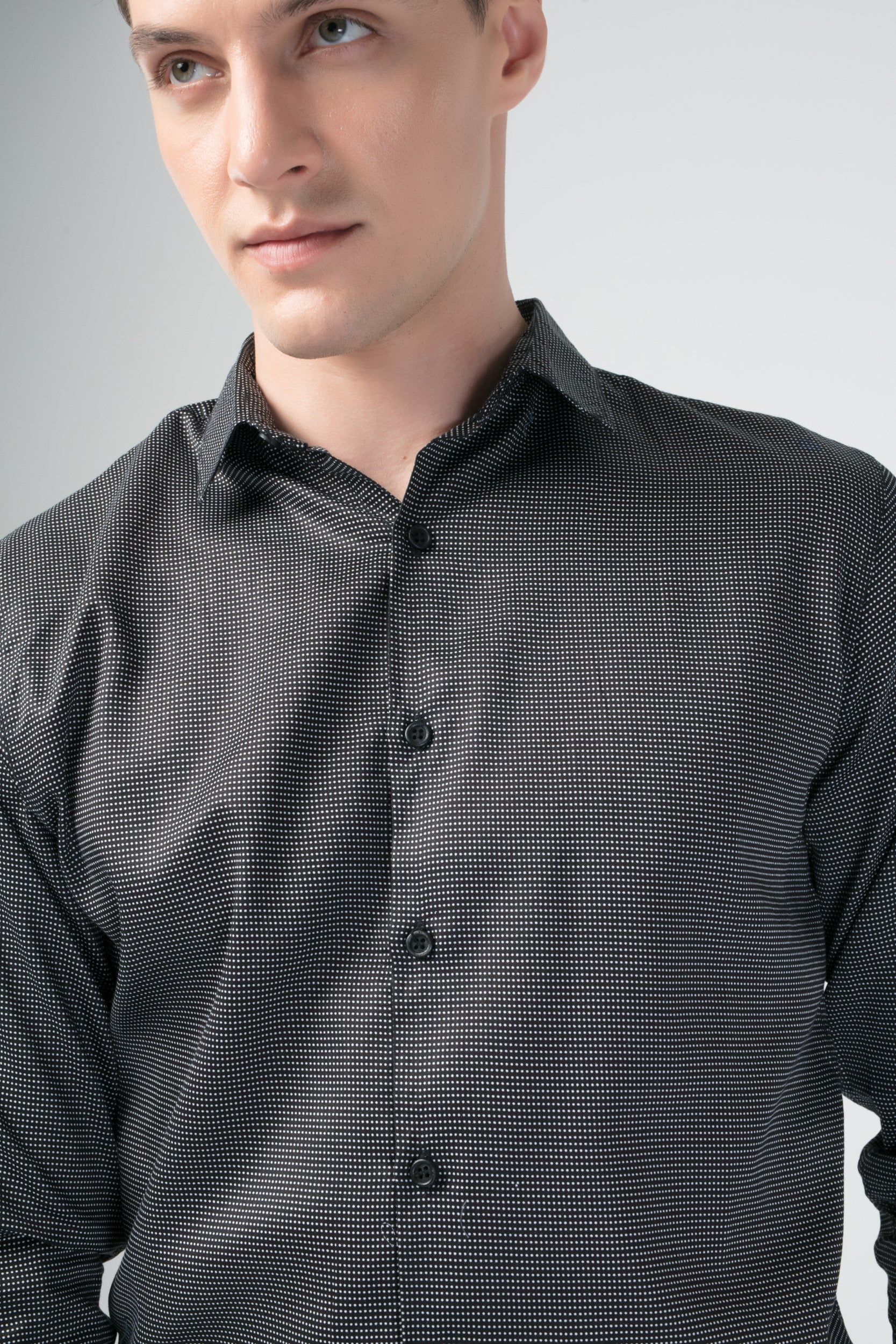 TEXTURED SLIM FIT CASUAL SHIRT