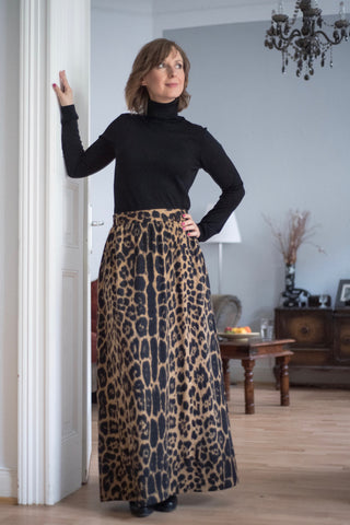 (Vintage maxi skirt on Mary)