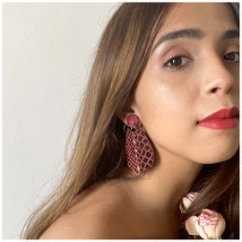 Lueur Earrings - Maroon