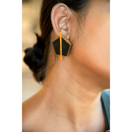 Smoky Night Earrings