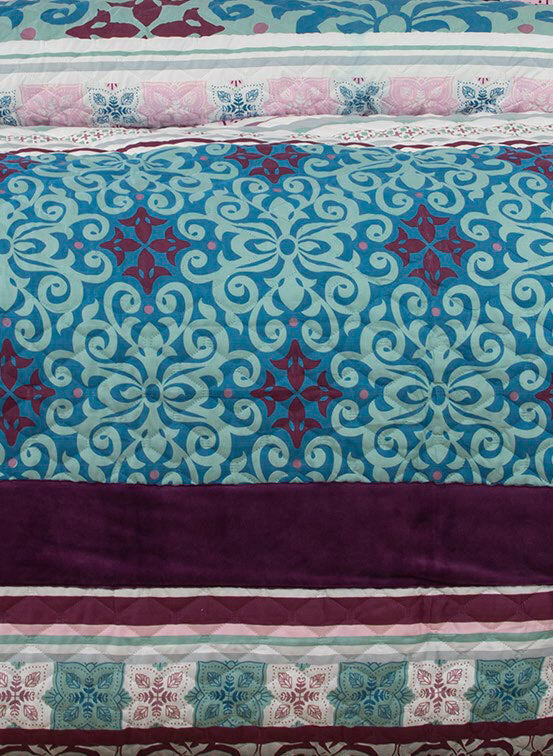 King Size 3pcs Anemone Velvet Panel Embossed Quilt Cover Set