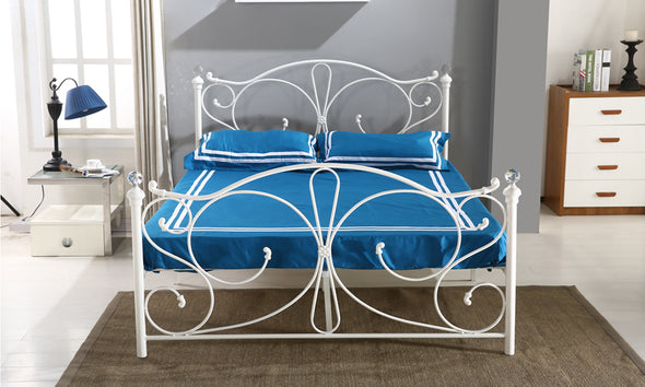 Levede Stylish Metal Bed Frame Ironline Bedroom Mattress Base King Size White