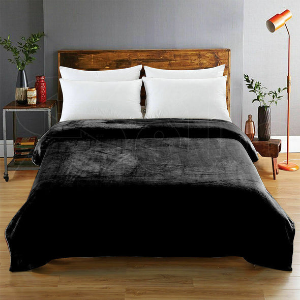 DreamZ 320GSM 220x240cm Ultra Soft Mink Blanket Warm Throw in Black Colour