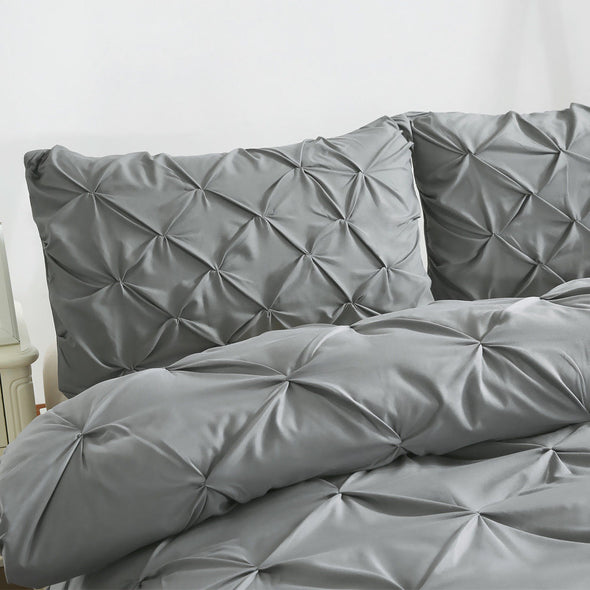 DreamZ Diamond Pintuck Duvet Cover Pillow Case Set in Super King Size Charcoal