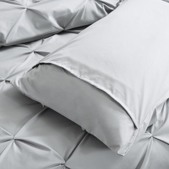 DreamZ Diamond Pintuck Duvet Cover Pillow Case Set in Super King Size in Grey