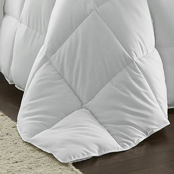 DreamZ All Season Microfiber Down Alternative Comforter Quilt in Single Size