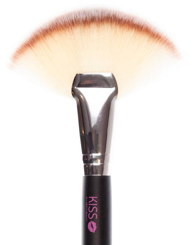 Kiss Makeup Brush - #6 Large Fan Brush
