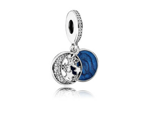 PANDORA Moments Charm Bangle. Galaxy Spacer. Vintage Night Sky Dangle. Moonlight Blue Radiant Hearts Openwork Charm.[ FREE SHIPPING ]