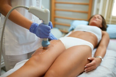 Cellulite Behandlung - Acoustic Shock Wave Therapie