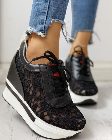 Lace Splicing Muffin Casual Sneakers Black / 36