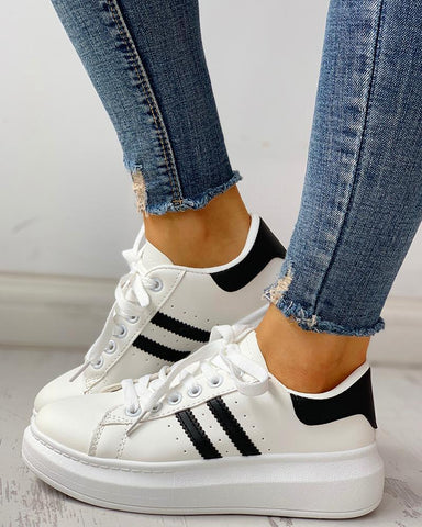 Lace-Up Striped Muffin Casual Sneakers Black / 36