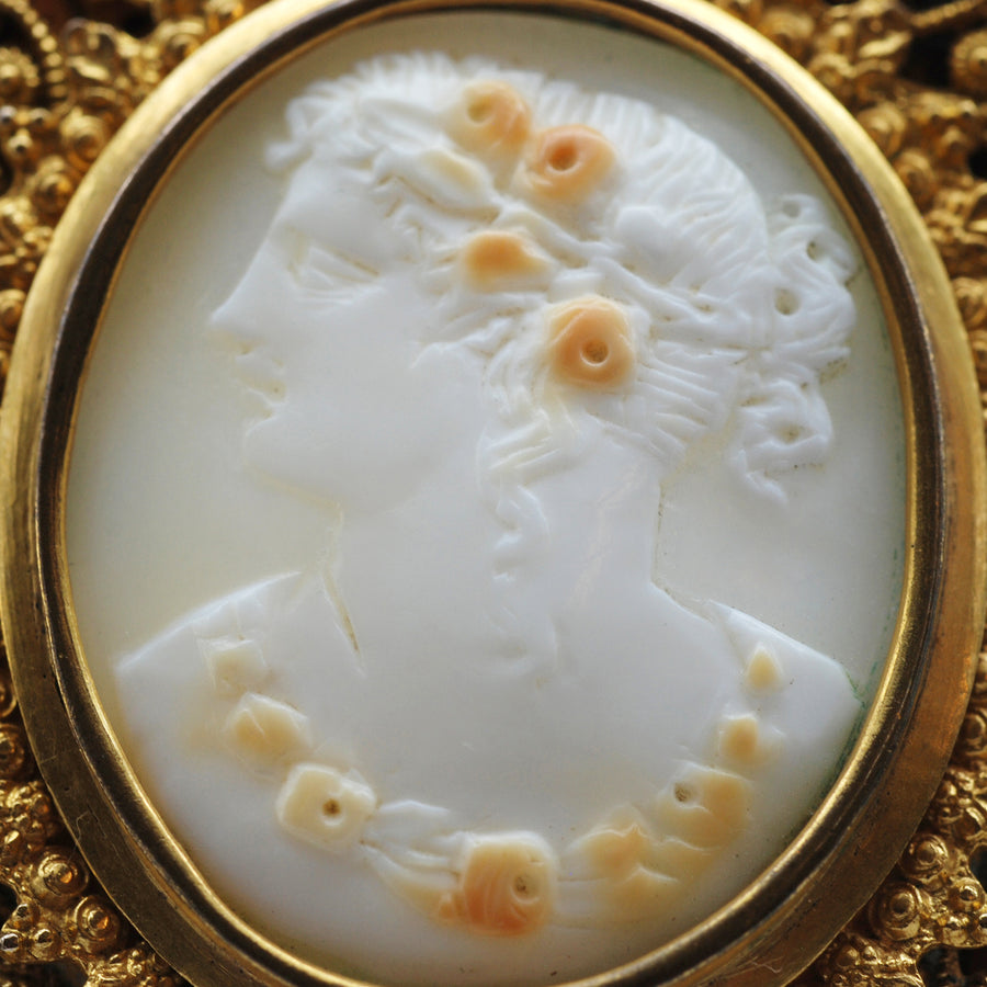 Victorian Pinchbeck Cameo Brooch