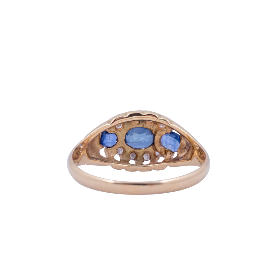 Antique 18ct Diamond and Ceylonese Sapphire Ring.