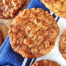 Vegan Anzac Biscuits (Cookies)