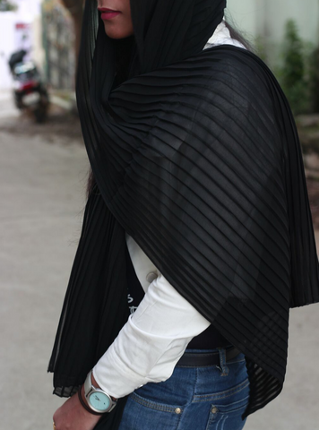 Black Knife Pleated Hijab - Fakhur