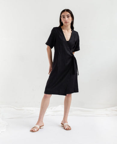 OPEN AIR MUSEUM Wrap Dress / Black