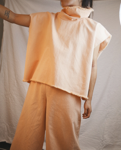 ASHLEY ROWE Sleeveless Turtleneck / Peach Nougat