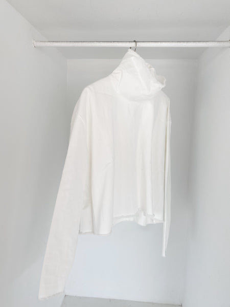 ASHLEY ROWE Turtleneck / White