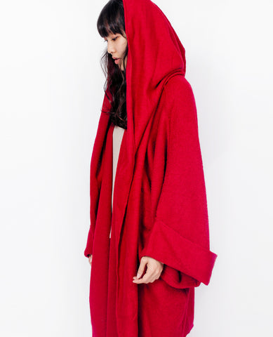 VOYAGER X MIA PERU Cape / Red