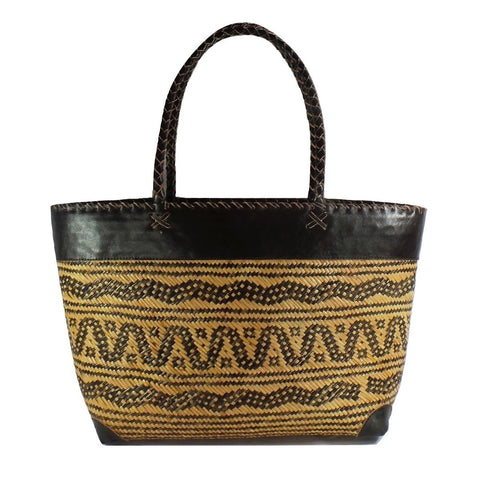 Large Wavey Pattern Rattan Tote
