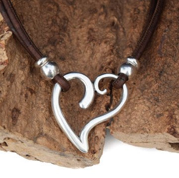 Silver Plated Zinc Heart Necklace (N52)