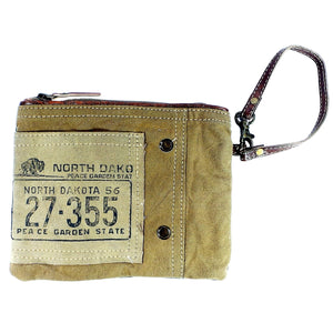 North Dakota Clutch (55911)