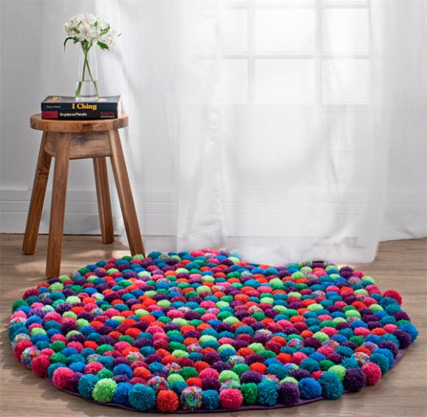 carpet_of_pompoms