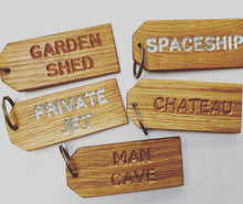 Load image into Gallery viewer, 'WINE CELLAR' Oak-engraved keyring (5 left!)