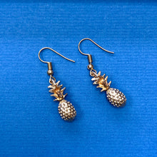 Load image into Gallery viewer, Gold Pineapple Earrings