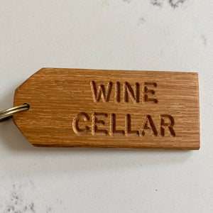 'WINE CELLAR' Oak-engraved keyring (5 left!)