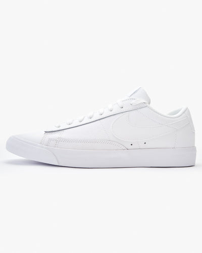 Nike Blazer Low LE - White / White UK 7 AQ35971007 883153625487 Nike Trainers