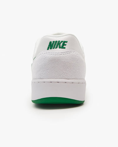 Nike SB GTS Return - White / Pine Green Nike SB Trainers