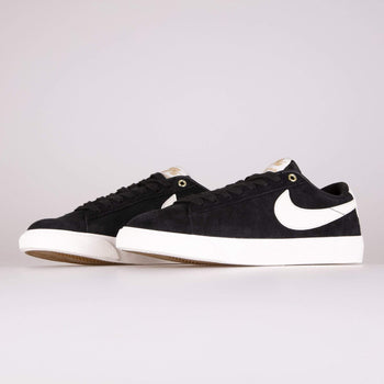 Nike SB Zoom Blazer Low GT - Black / Sail Nike SB Trainers