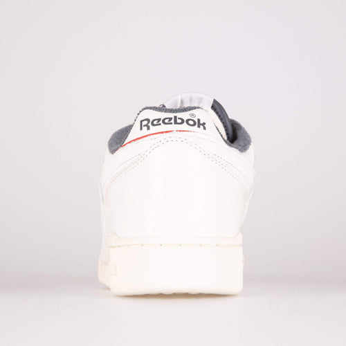 Reebok Classic Workout Plus MU - Chalk / Radiant Red / True Grey Reebok Classic Trainers