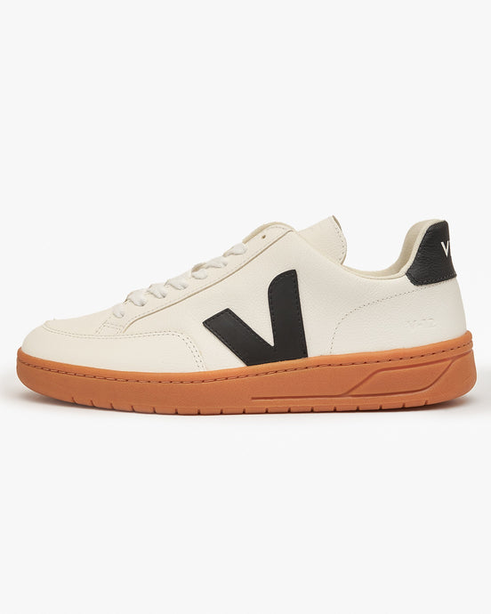 Veja V-12 Easy Leather Sneakers - Extra White / Black / Gum UK 7 XD052346B7 3611820050969 Veja Trainers