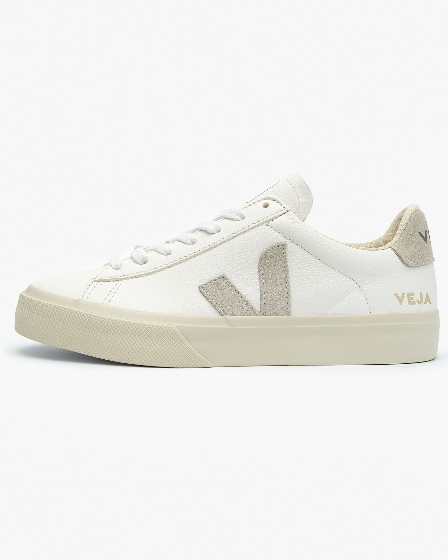 Veja Womens Campo Chromefree Leather Sneakers - Extra White / Natural UK 3 CP052429A3 3611820007352 Veja Trainers