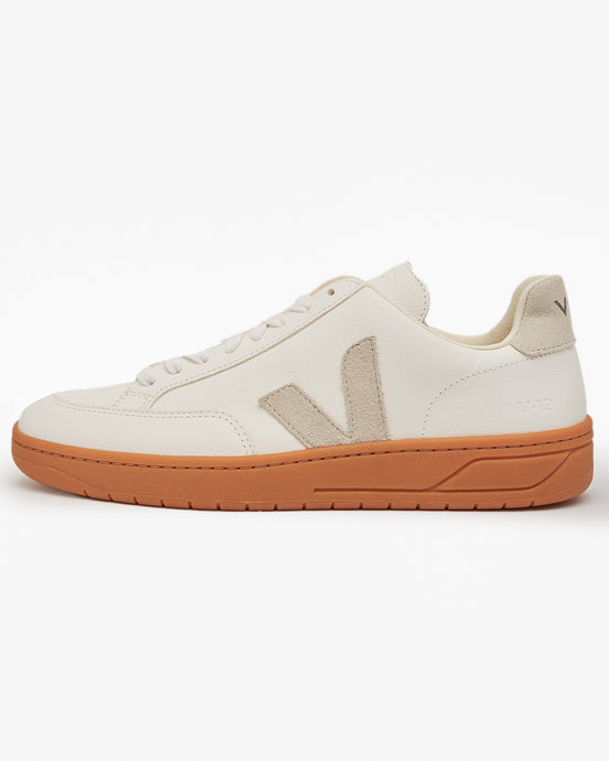 Veja Womens V-12 Easy Leather Sneakers - Extra White / Natural / Gum UK 3 XD051821A3 3611820050518 Veja Trainers