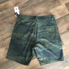 Load image into Gallery viewer, Mens 4-Way Stretch Green Camo Shorts