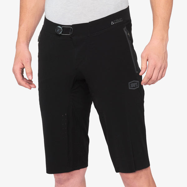 CELIUM Shorts - Black