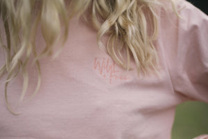 LADIES WILD + FREE TEE | PEACHY PINK